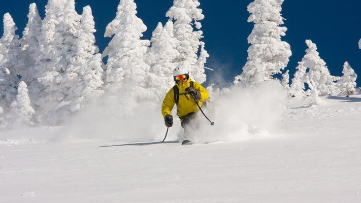 Reasons Why Every Skier Should Go Heli Skiing - Powder Snow