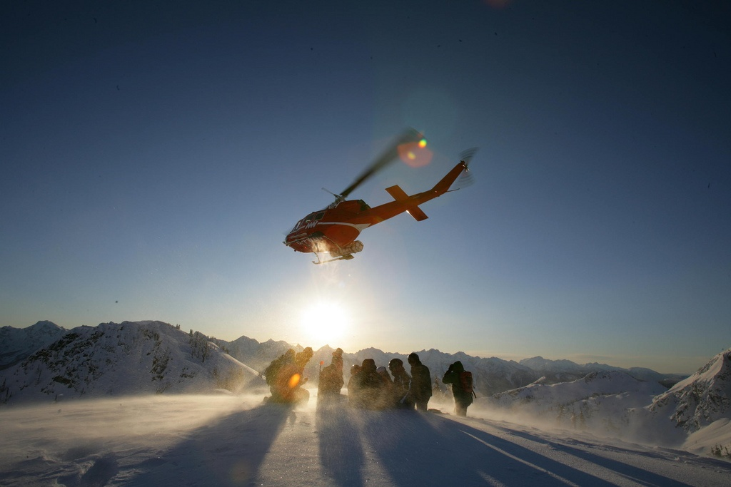 Guided Helicopter Skiing Tour in the Alps